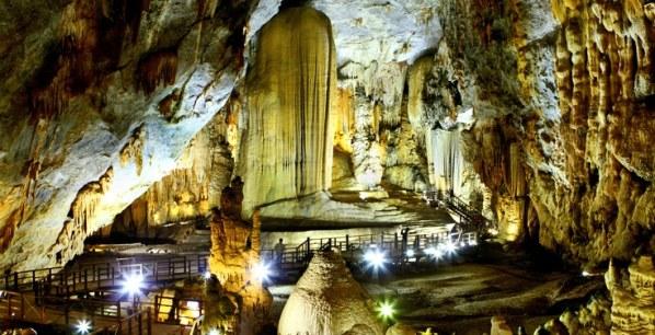 Phong Nha Paradise Cave tour in Quang Binh