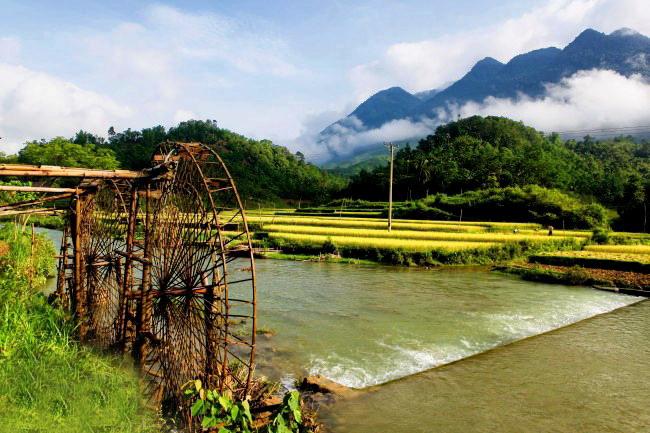 Pu Luong nature reserve trekking tours