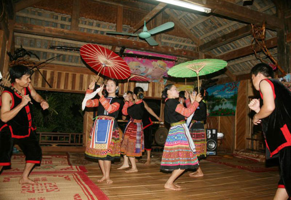 Mai Chau valley view traditional dance