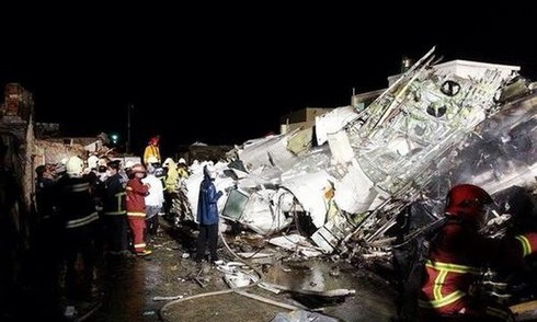 TransAsia Plane crash in Taiwan 2 hours ago: 51 Death