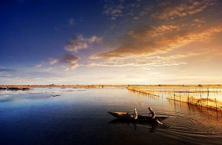 Tam Giang lagoon during sunset
