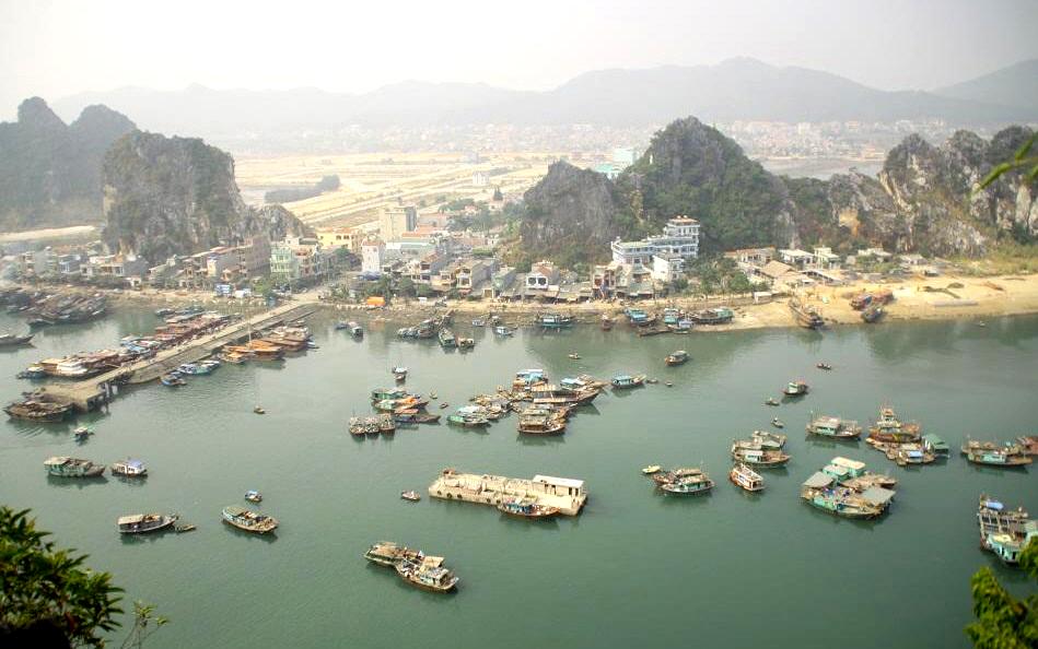 Cai Rong port the entrance to Bai Tu Long bay