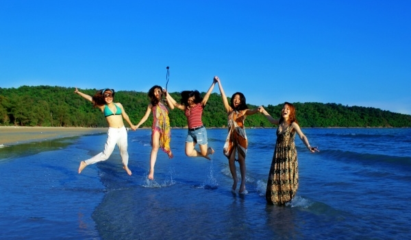 Bai Tu Long bay: Where worthy visiting ?