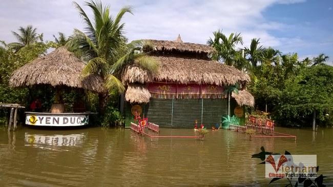 water puppet show in Yen Duc village